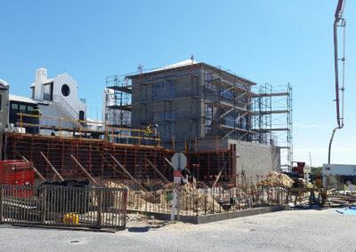 construction site doing concrete framing